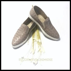 Boemos • Woven Leather Slip-On Sneaker